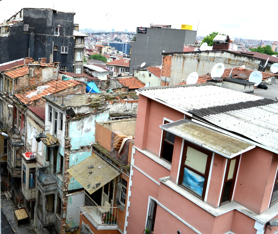 taksim neighborhood poverty